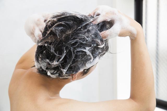 宇都宮市のノアAGAクリニックが抜け毛対策のための頭皮ケアについて解説